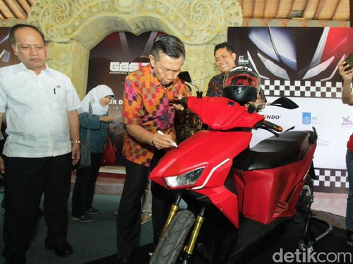 Pemprov Bali Siap Beli 10.000 Motor Listrik Gesits