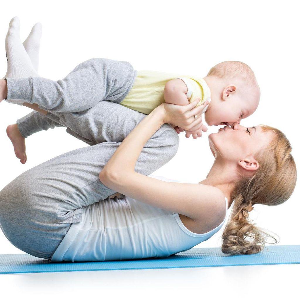 Deretan Ibu yang Sukses Buktikan Olahraga Bisa Dilakukan Sambil Asuh Anak