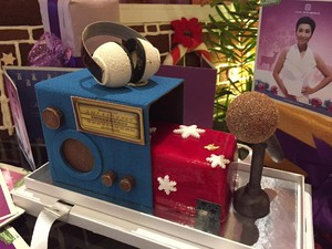 Meriahkan Natal, Hotel Berbintang Ini Luncurkan Signature Christmas Log Cake Spesial Indy Barends