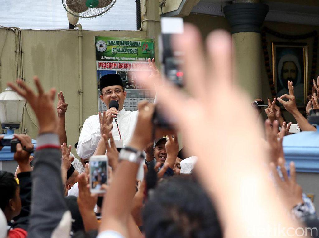 Anies Baswedan Berkampanye di Kebon Jeruk