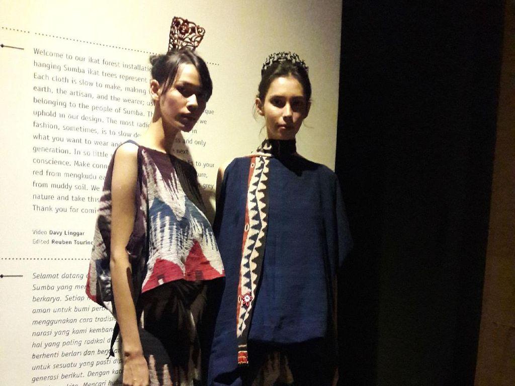 Sukses dengan Batik, Sejauh Mata Memandang kini Angkat Tenun Ikat Sumba