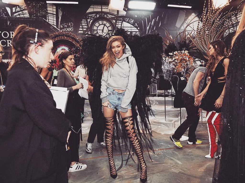 Gigi Hadid Ingin Menangis Tiap Kali Ingat Fashion Show Victorias Secret