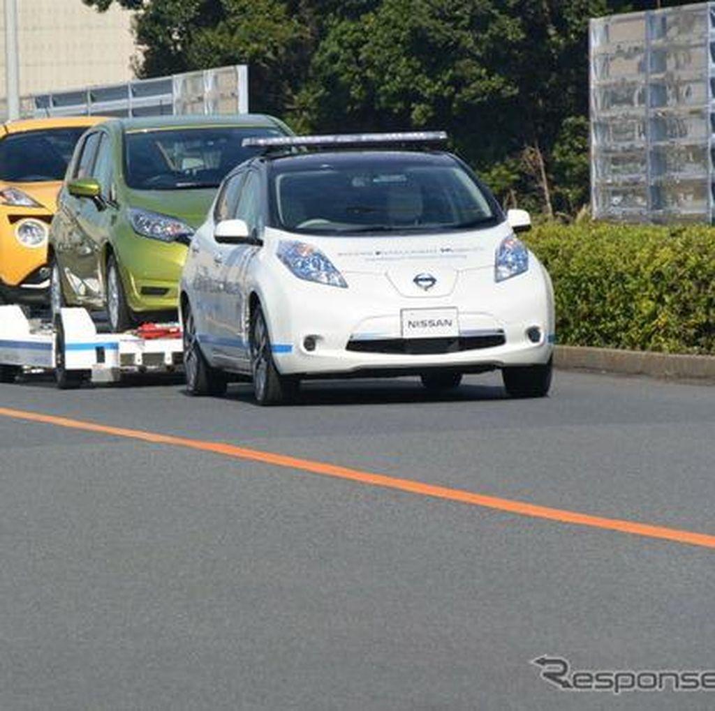 Nissan Pakai Mobil Otonom untuk Angkut Mobil di Pabriknya