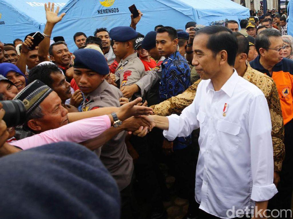 Jokowi Temui Korban Gempa di Aceh
