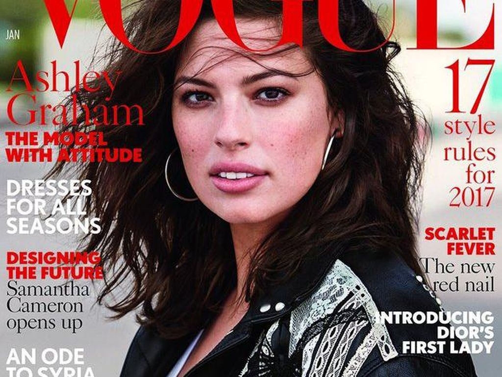 Miris, Ashley Graham Ditolak Pakai Baju Desainer karena Bertubuh Plus Size