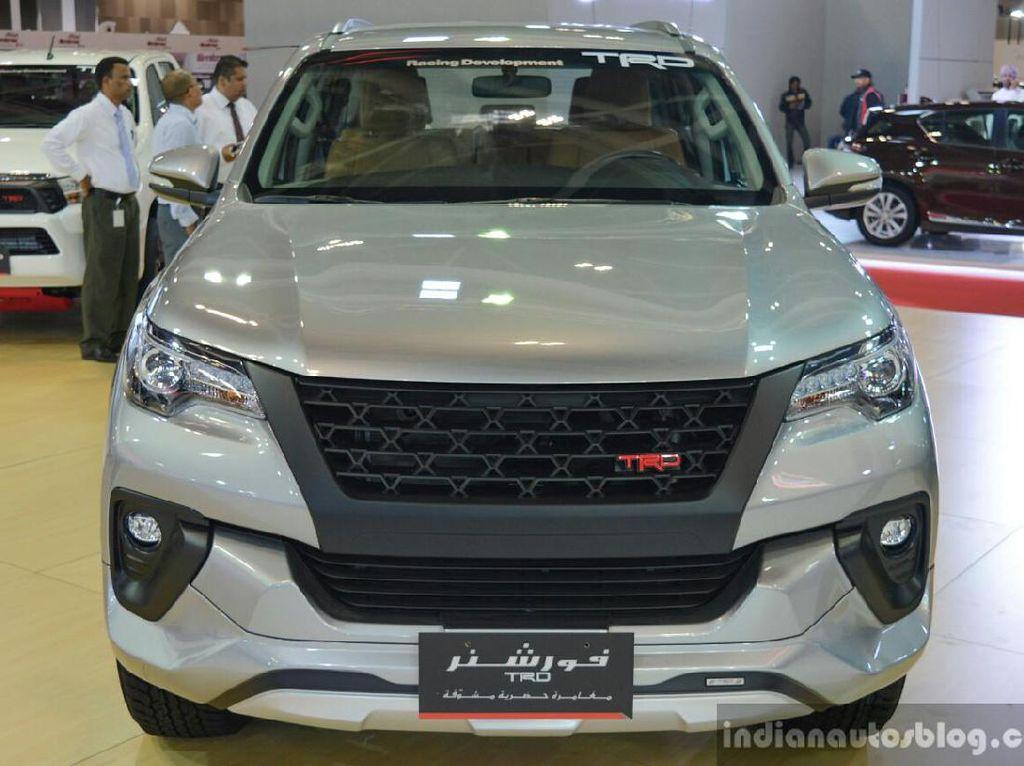 Toyota Fortuner Bermesin Besar