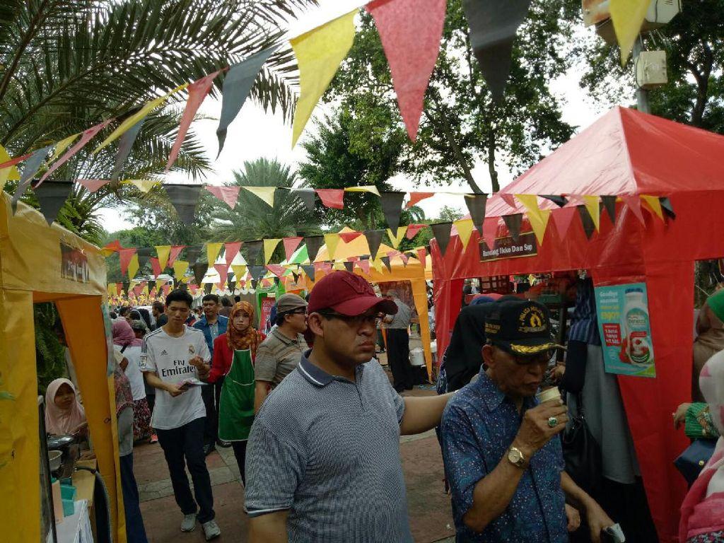 Ada Dendeng Kuah dan Ayam Galundi Nan Lamak di Festival Jajanan Minang 2016