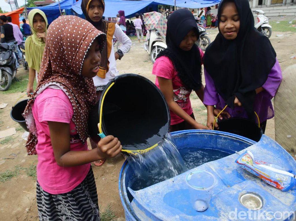 Posko Pengungsian Desa Tijien Daboh Kesulitan Air Bersih