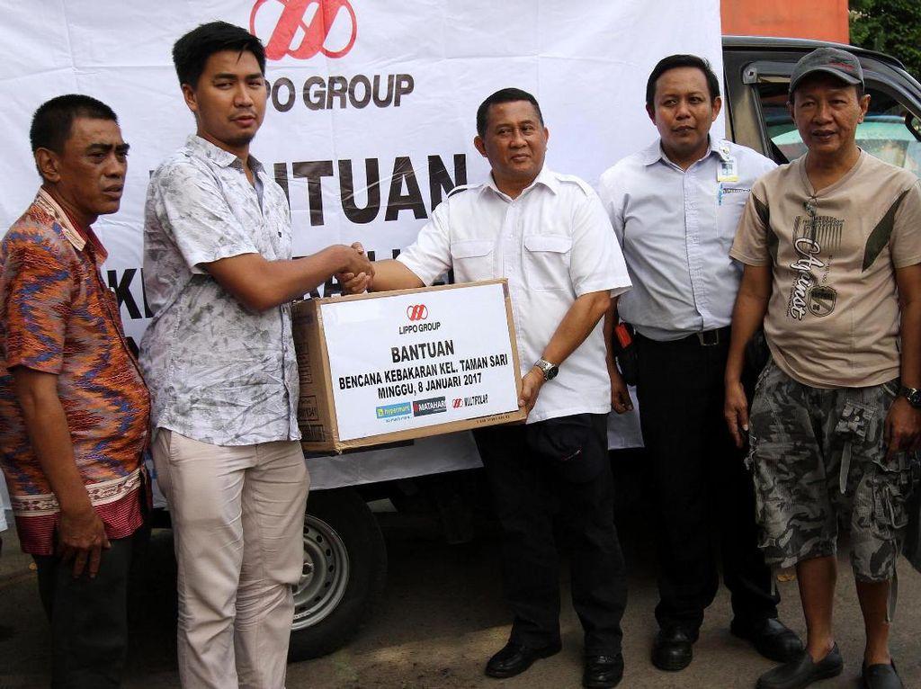 Lippo Group Bantu Korban Kebakaran Tamansari