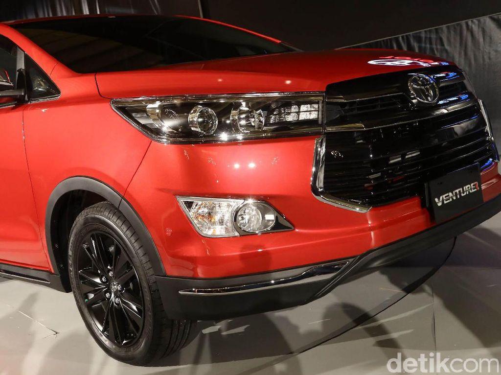 Toyota Luncurkan Venturer dan Corolla
