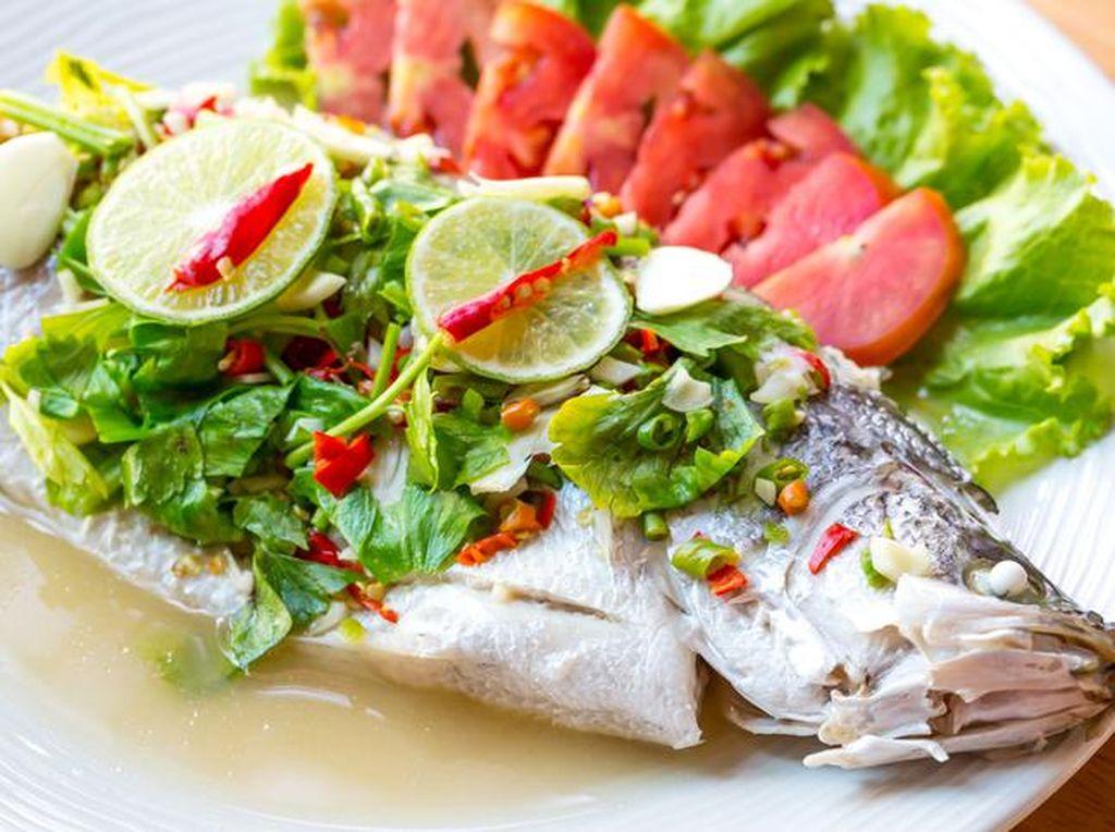 Ini Cara Tepat Mengolah dan Sajikan Ikan untuk Imlek