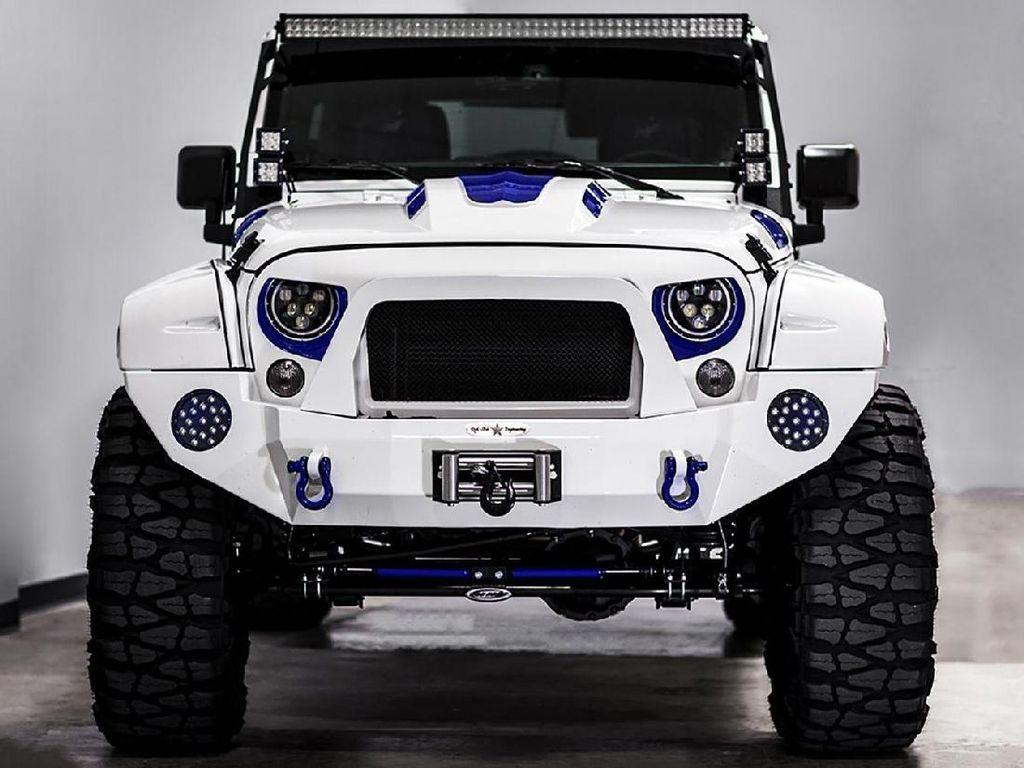 Tampilan Keren Jeep Wrangler Modif