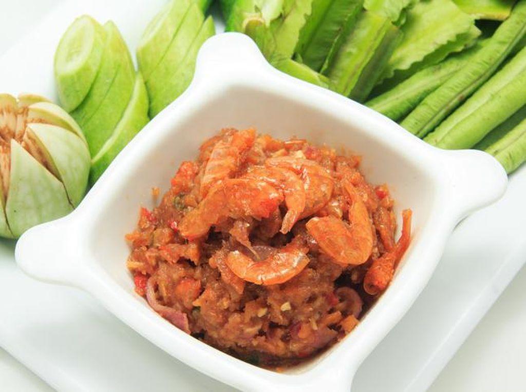 Meskipun Baunya Menyengat, 10 Makanan Ini Rasanya Lezat (1)