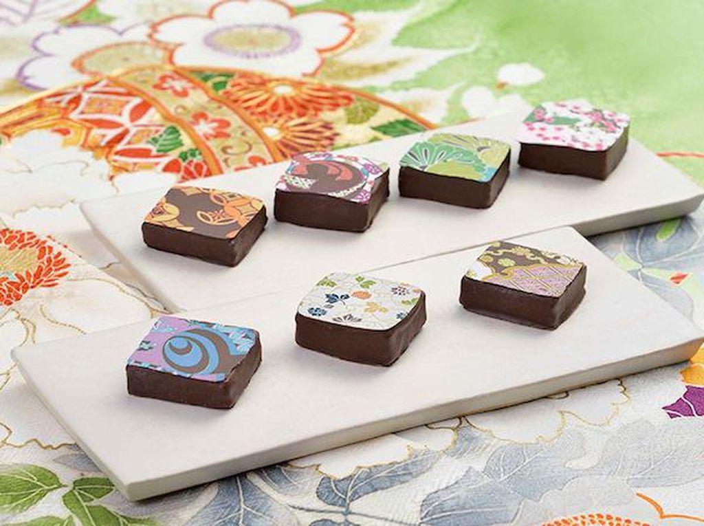 Wah, Cantiknya Cokelat Bermotif Kimono Tradisional Jepang!