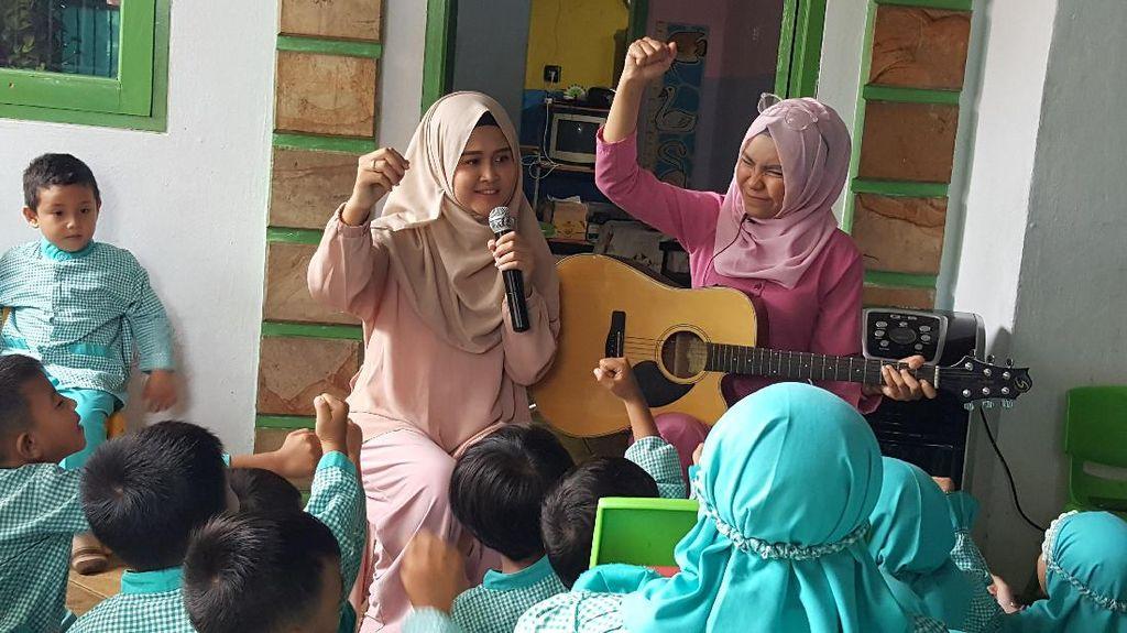 Ini Potret Keceriaan Anak-anak Saat Dengarkan Dongeng dari Sarang Cerita