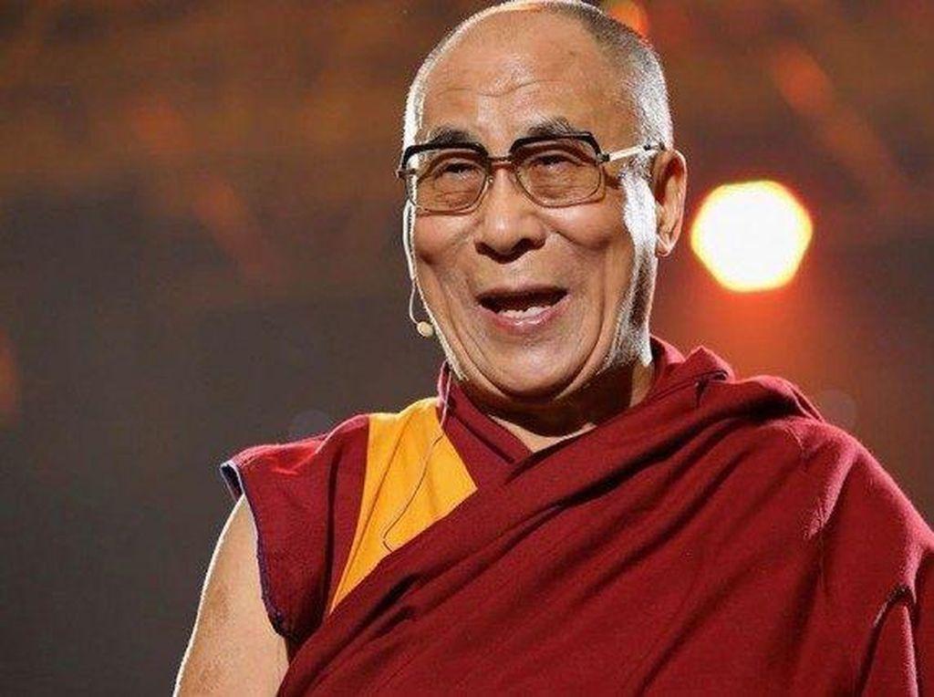 Seorang Dokter Meditasi dengan Dalai Lama, Begini Pengakuannya