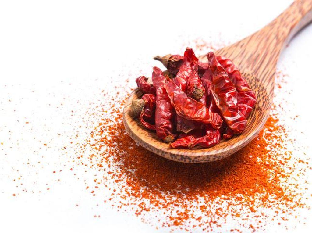 Doyan Makanan Pedas Berbahaya untuk Tubuh? Yuk Intip Penjelasan Dokter