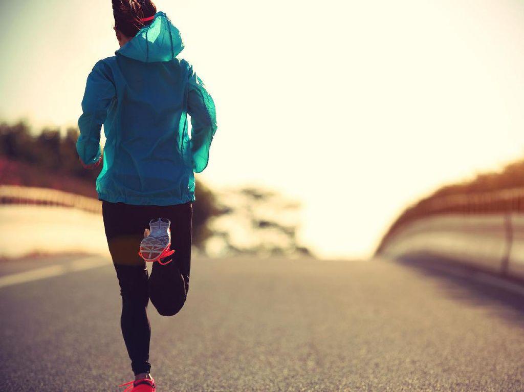 Tak Lazim, Tapi Lari Mundur Banyak Manfaatnya Lho