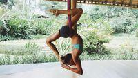 Sjana telah membuat program yoga yang ia sebut Body and Mind (BAM) dan respons positif berdatangan. Program yoganya pun juga sudah ada yang diluncurkan dalam bentuk aplikasi. Foto: instagram/@sjanaelise