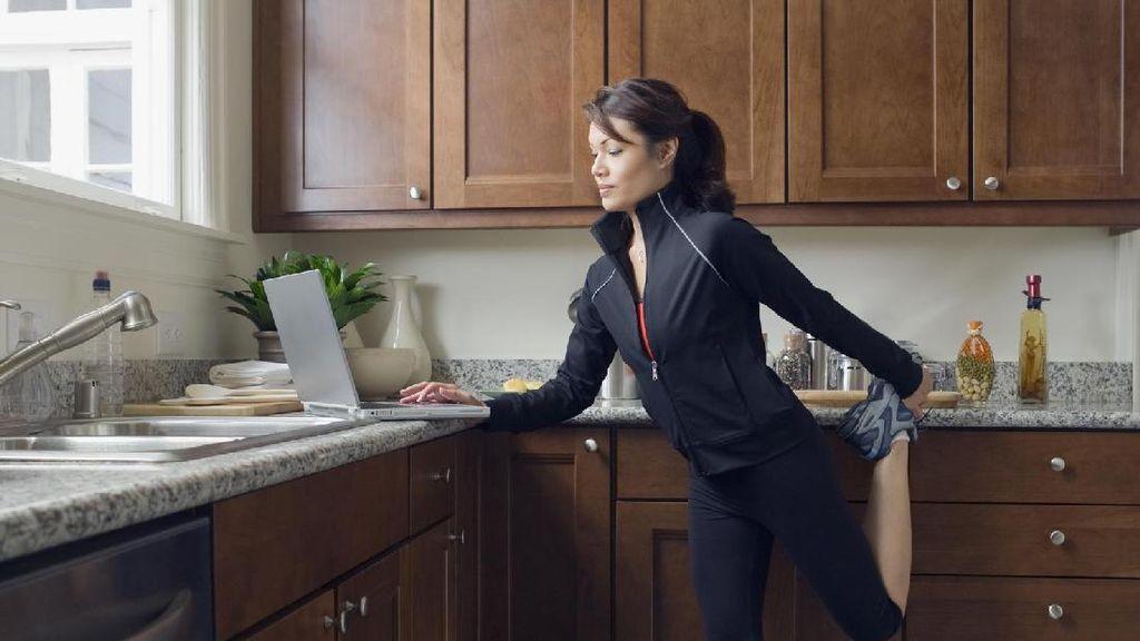 6 Alat Rumah Tangga yang Bisa Dimanfaatkan untuk Olahraga
