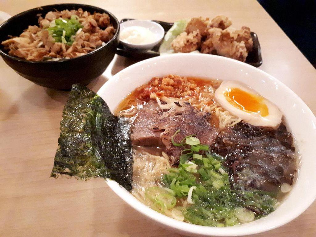 Fuku Ramen: Sedapnya Ramen Spesial Bertopping Beef Chashu dengan Kuah Kaldu Ayam