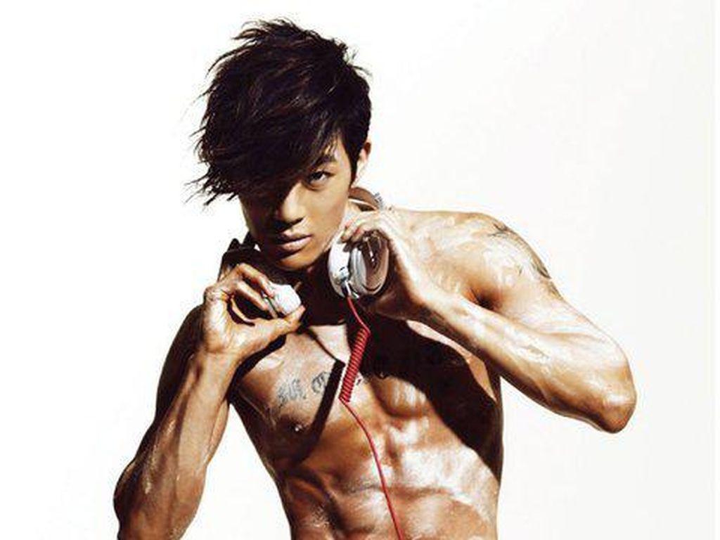 Keren Abis! Deretan Artis Korea ini Punya Perut Sixpack